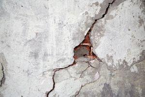 home cracks